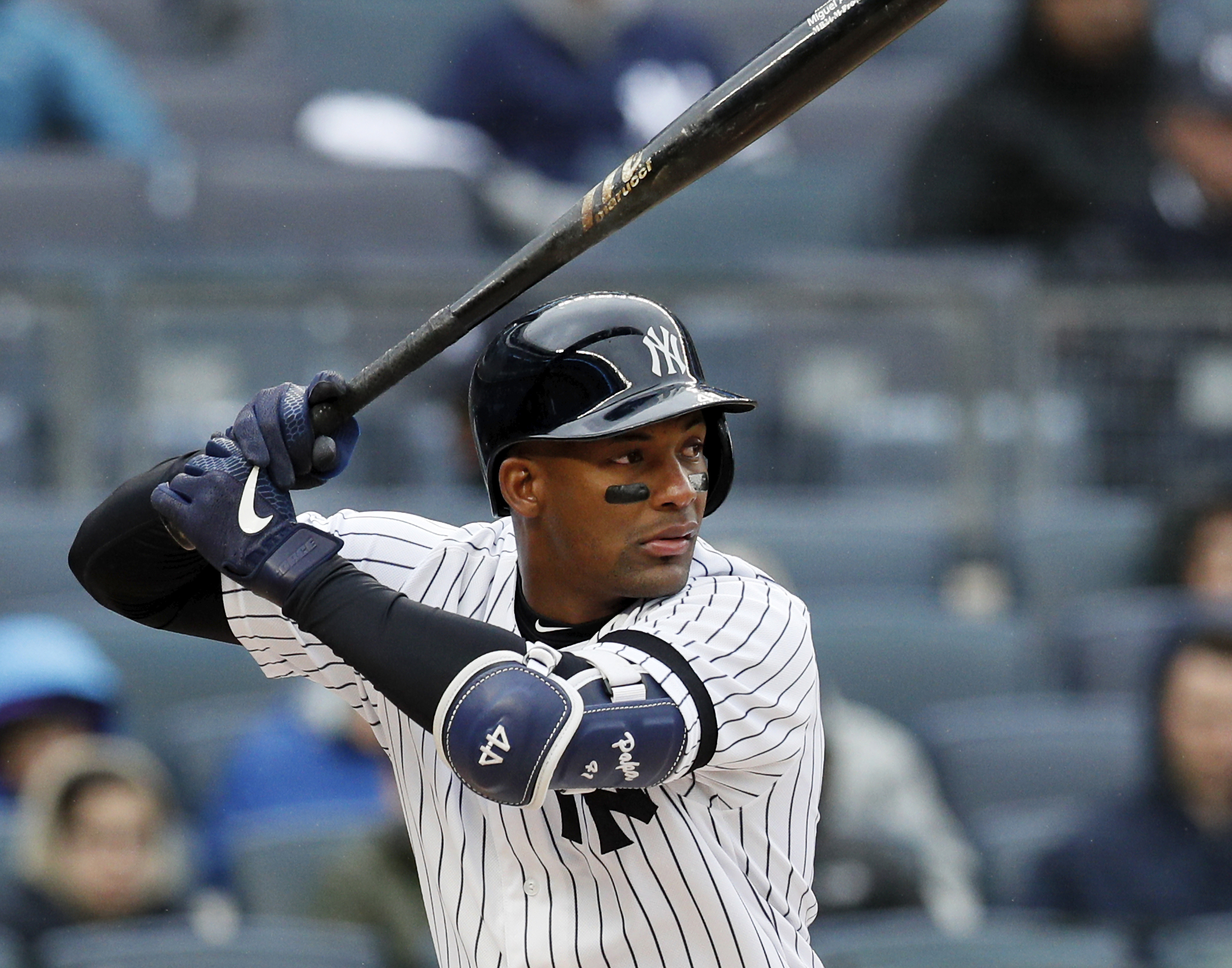 Yankees: Miguel Andujar could keep Clint Frazier off 26-man roster